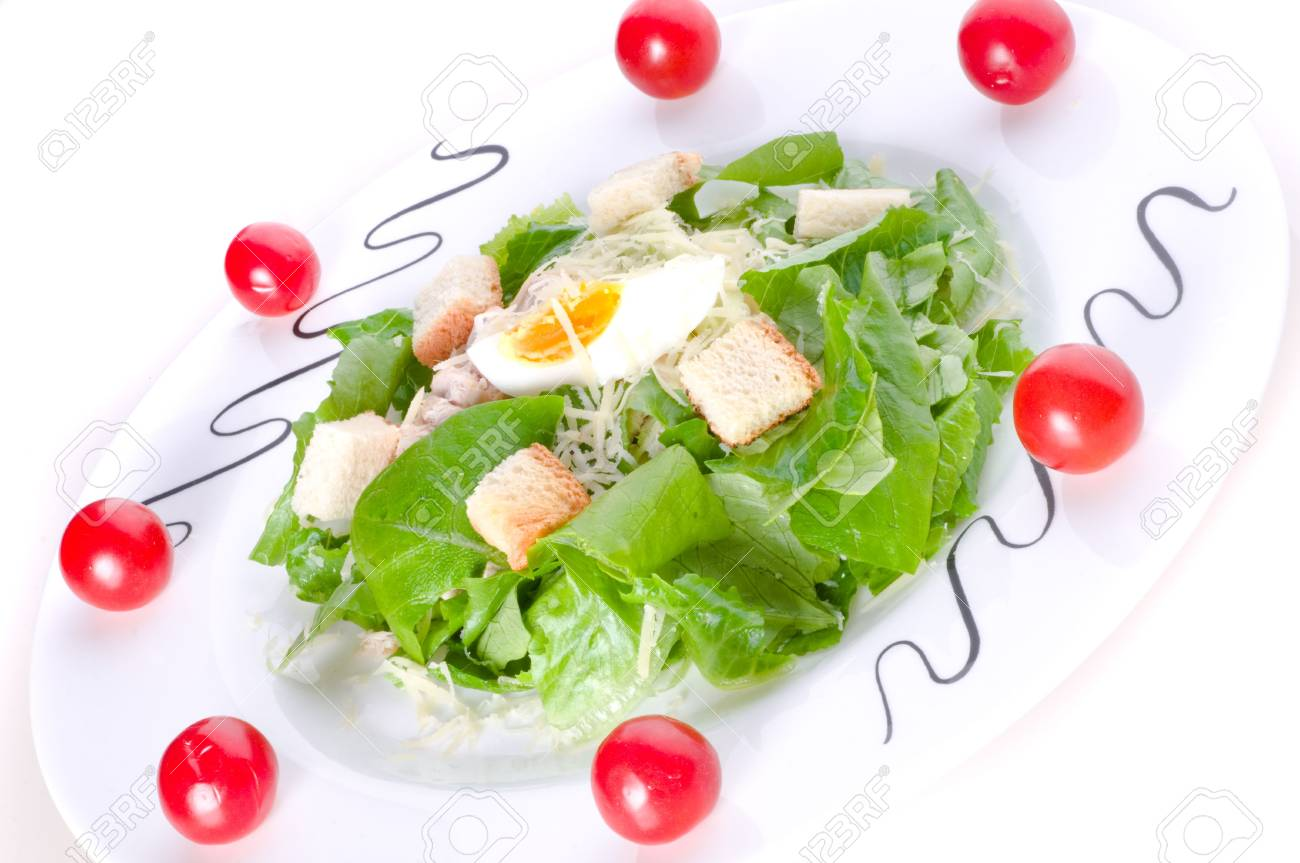 Fresh salad with lettuce and tomatoes Stock Photo - 4989774