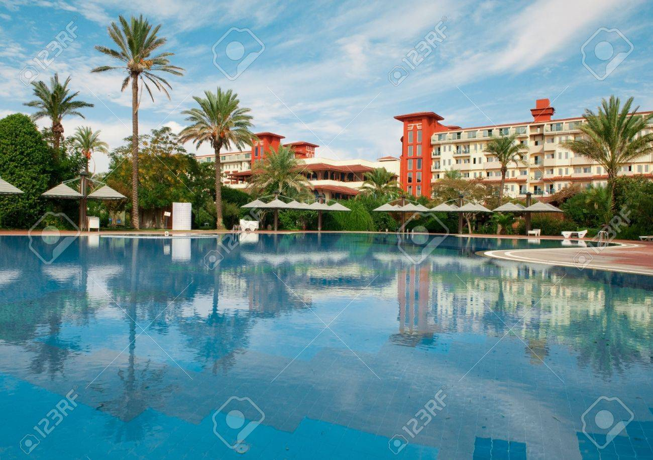 beautiful swimming pool Stock Photo - 6354292