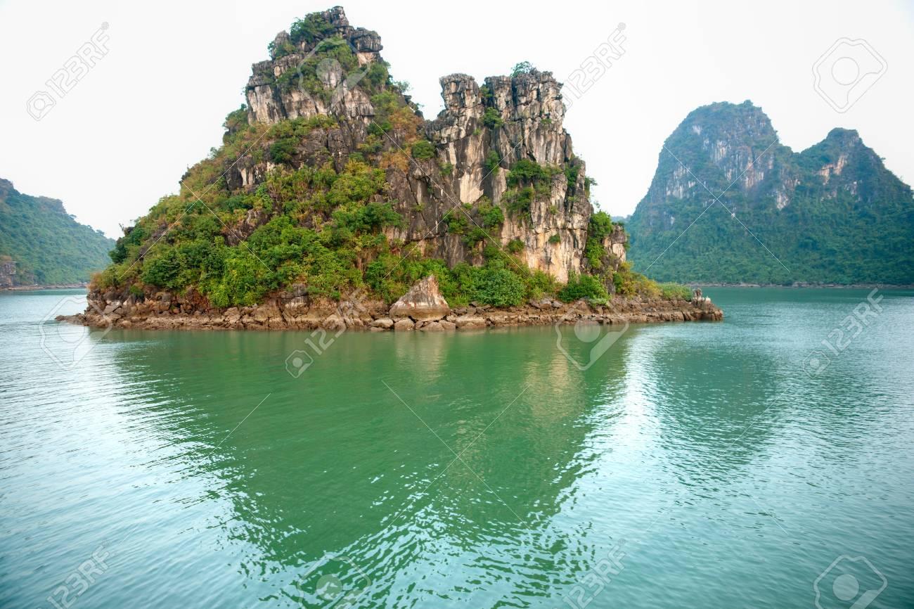 Halong Bay, Vietnam. Stock Photo - 8424422