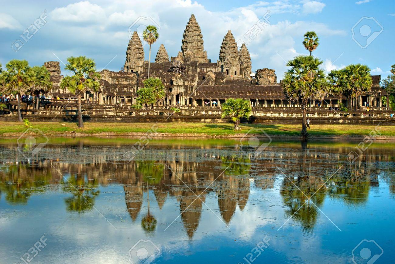Angkor Wat Temple, Siem reap, Cambodia. - 8569794