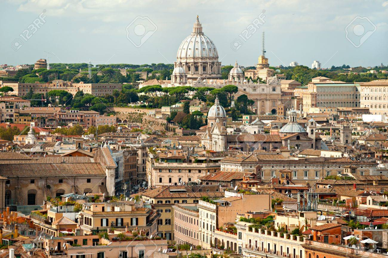 San Peter square on a cloudy day, Rome, Italy. Stock Photo - 11317491
