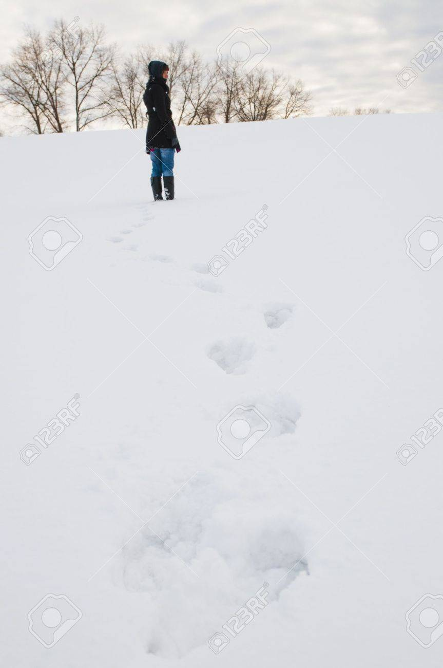 An image of girl posing outdoor in winter Stock Photo - 16009695