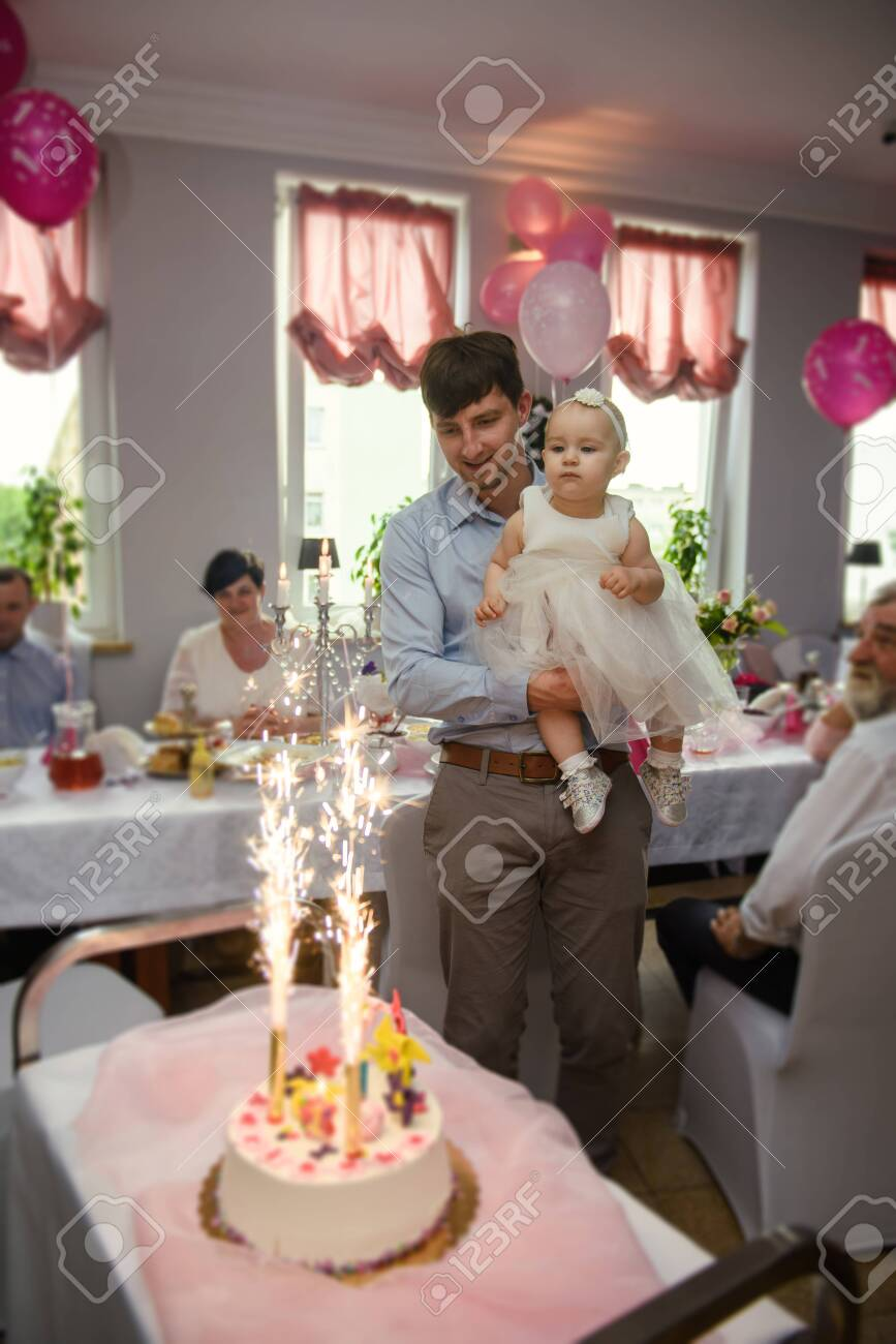 Stupendous Baby Girl 1 Year Old Eating Birthday Cake In Room Birthday Party Funny Birthday Cards Online Necthendildamsfinfo