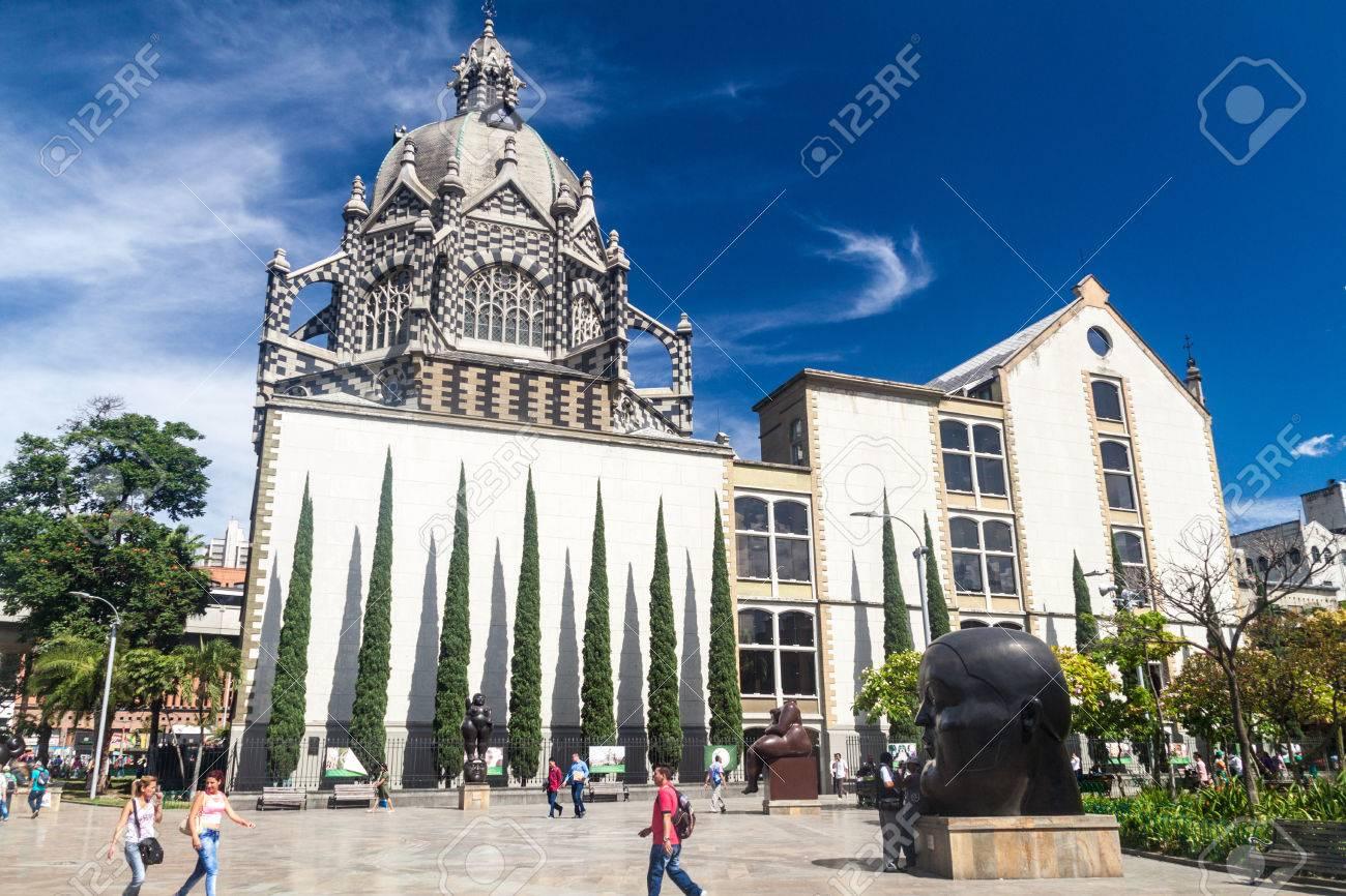 MEDELLIN, COLOMBIA - SEPTEMBER 1, 2015: Plazoleta de las Esculturas (Square of the Statues) in Medellin. Palace of Culture in the background. - 59109945