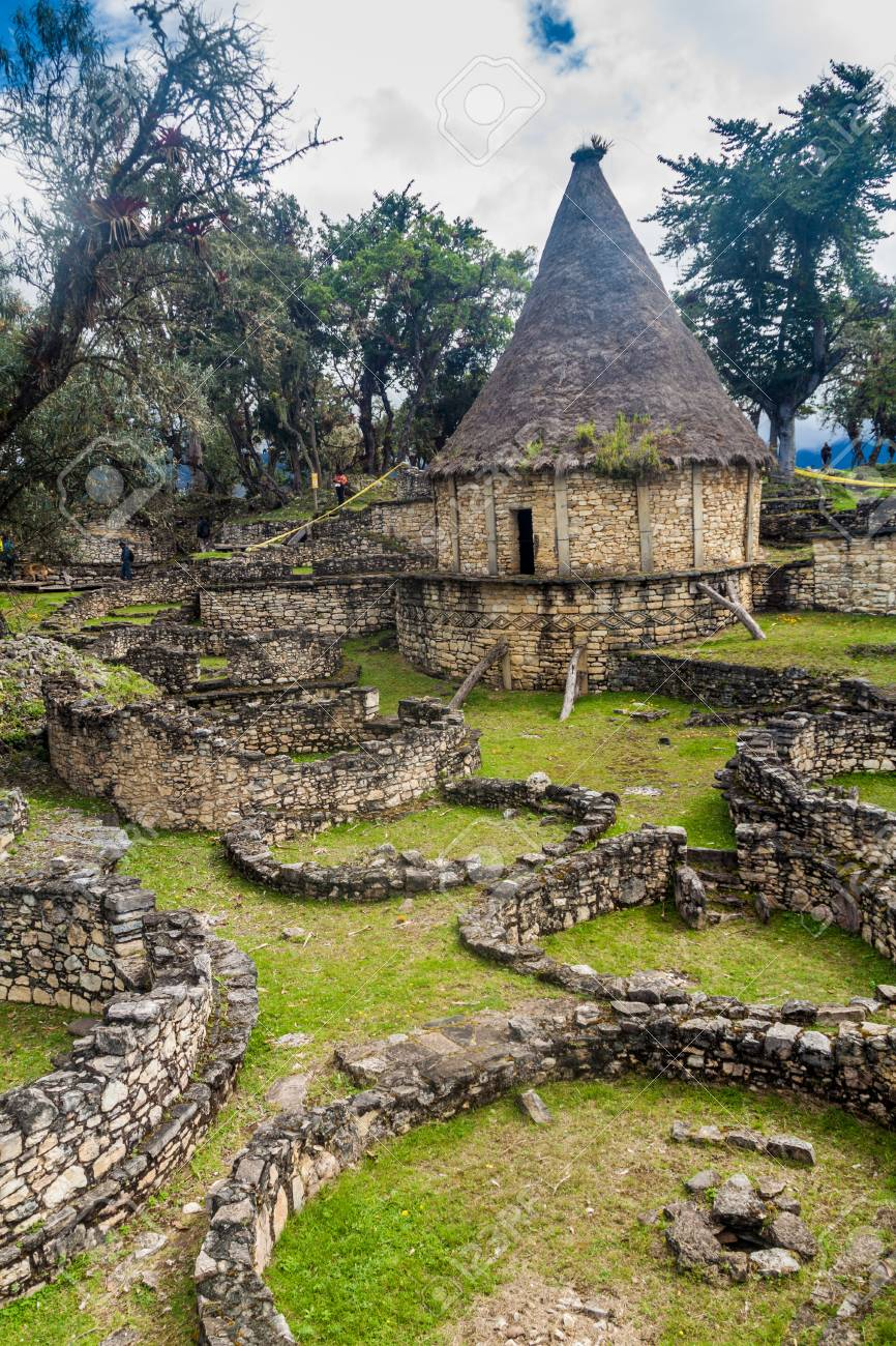 Ruins of round houses of Kuelap, ruined citadel city of Chachapoyas cloud forest culture in mountains of northern Peru. - 78715070