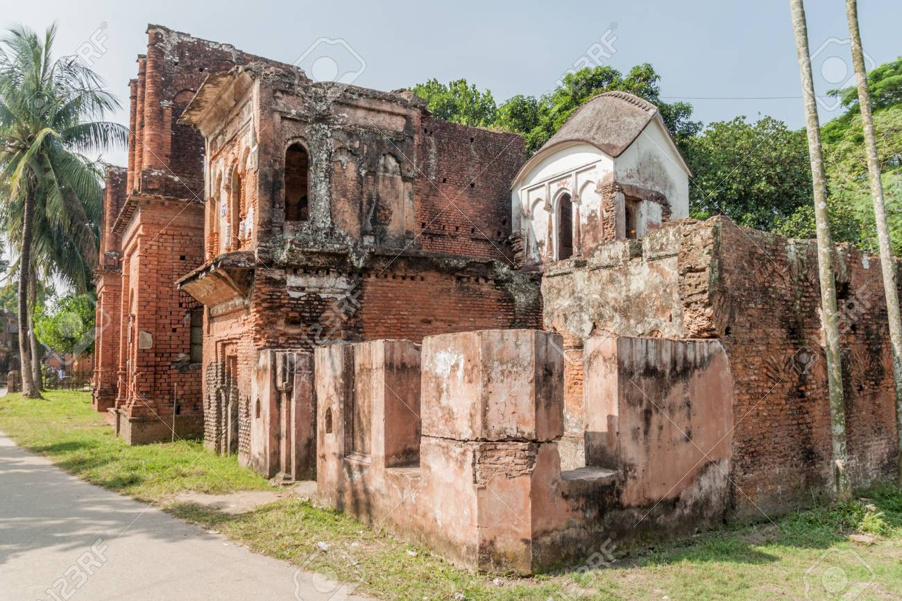 Bangladeš - Page 2 89263883-ruined-houses-in-historic-city-panam-panam-nagor-bangladesh