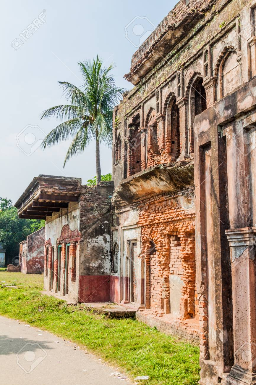 Bangladeš - Page 2 89272054-case-in-rovina-nella-storica-citt%C3%A0-di-panam-panam-nagor-bangladesh
