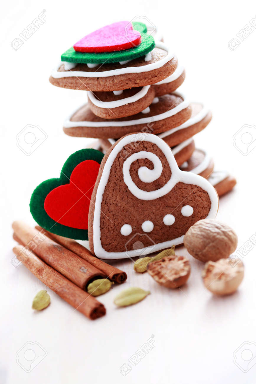 stack of delicious Christmas gingerbreads hearts - sweet food Stock Photo - 9484760