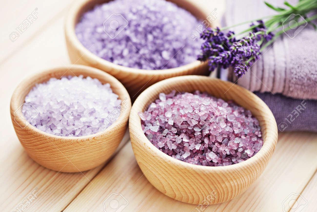 bowl of lavender bath salt - beauty treatment - 27724038