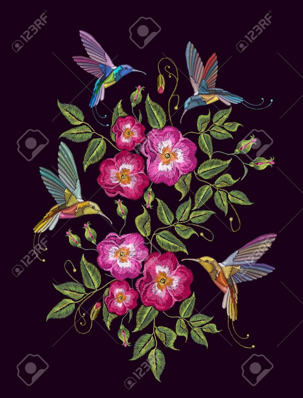 Vettoriale Ricamo Di Colibrì E Rose Selvatiche Su Sfondo Nero