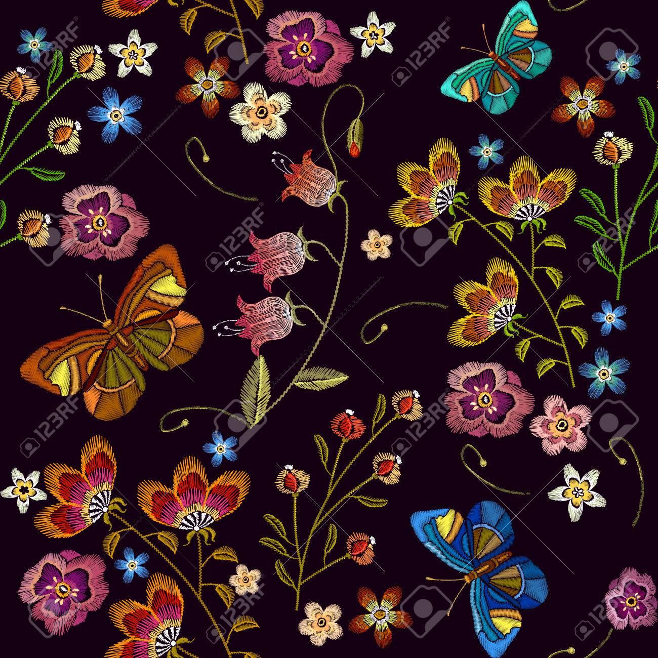Bordado De Flores Y Mariposas De Patrones Sin Fisuras. Plantilla De ...
