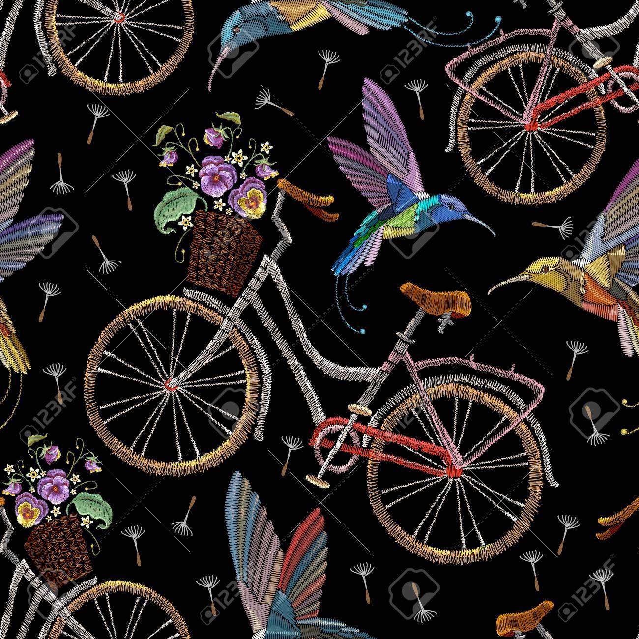 Bordado Bicicletas Violetas Flores Y Colibríes De Patrones Sin ...