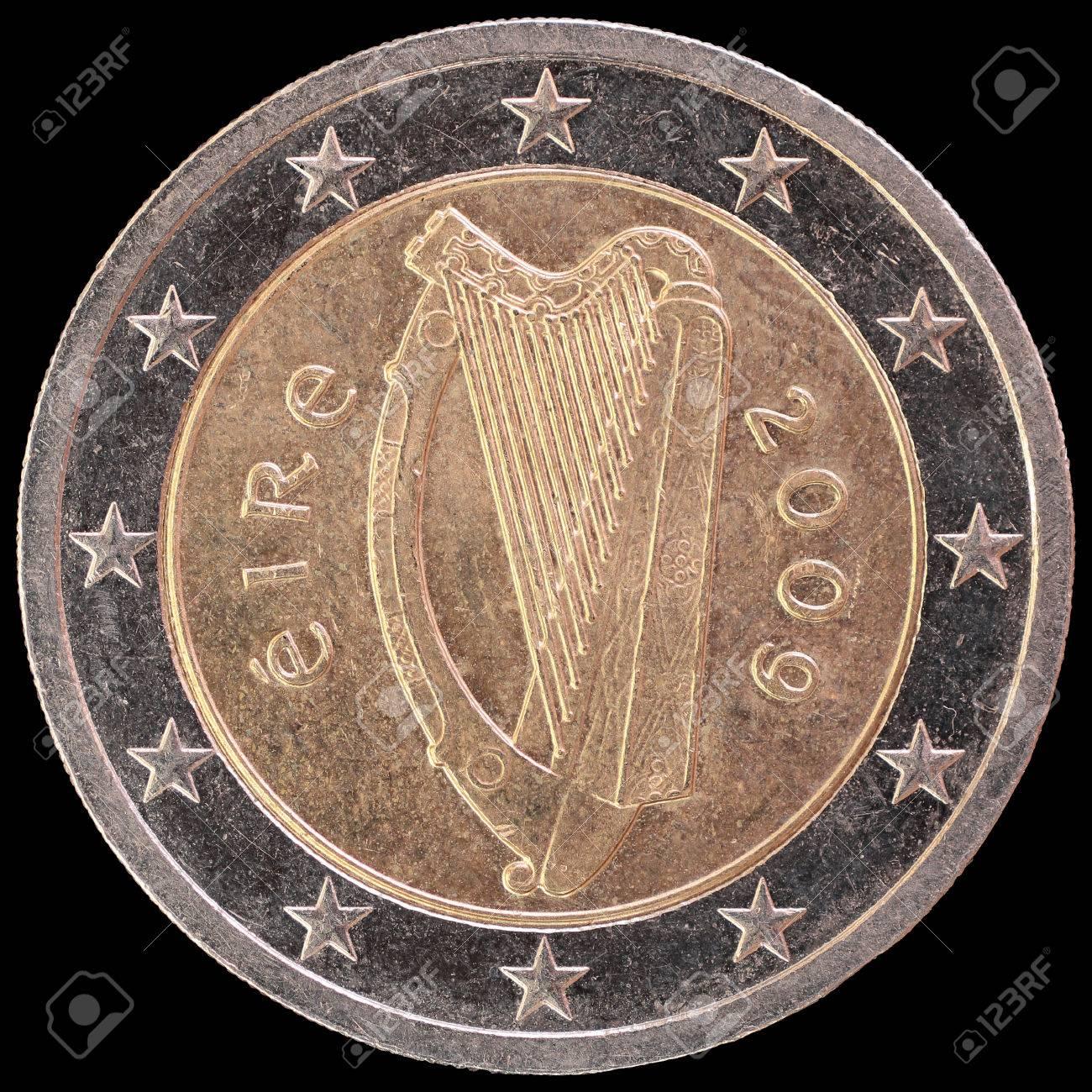 Nationale Seite Von Zwei Euro Münze Von Irland Ausgestellt Isoliert