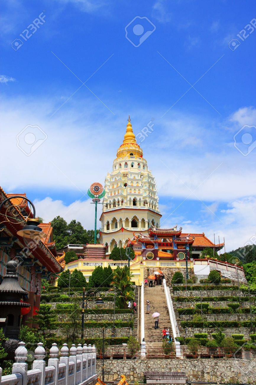Scenery view of Kek Lok Si Temple, which located in Penang, Malaysia. - 4886312