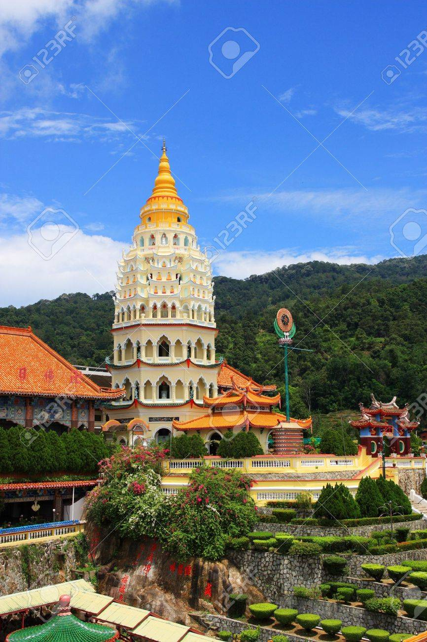 Scenery view of Kek Lok Si Temple, which located in Penang, Malaysia. - 4886313