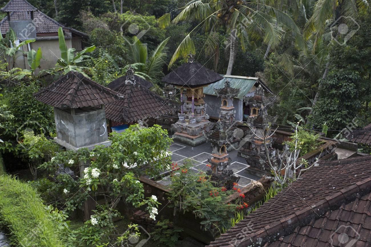 Datierung in bali indonesia Dating jemand mit okd-Tipps