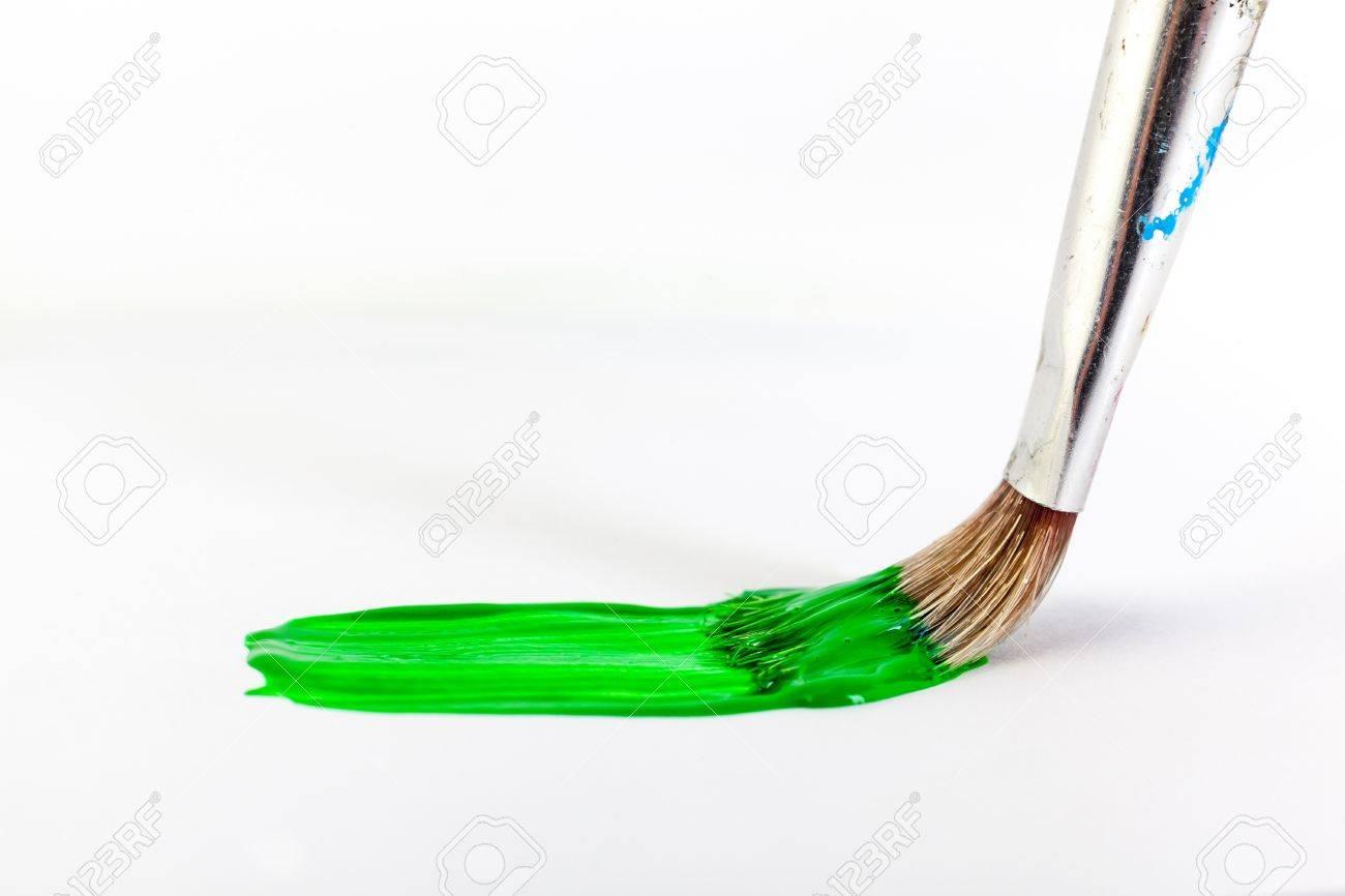 pincel pintando. dipingere la pittura pennello con colore verde archivio fotografico - 19323131 pincel pintando