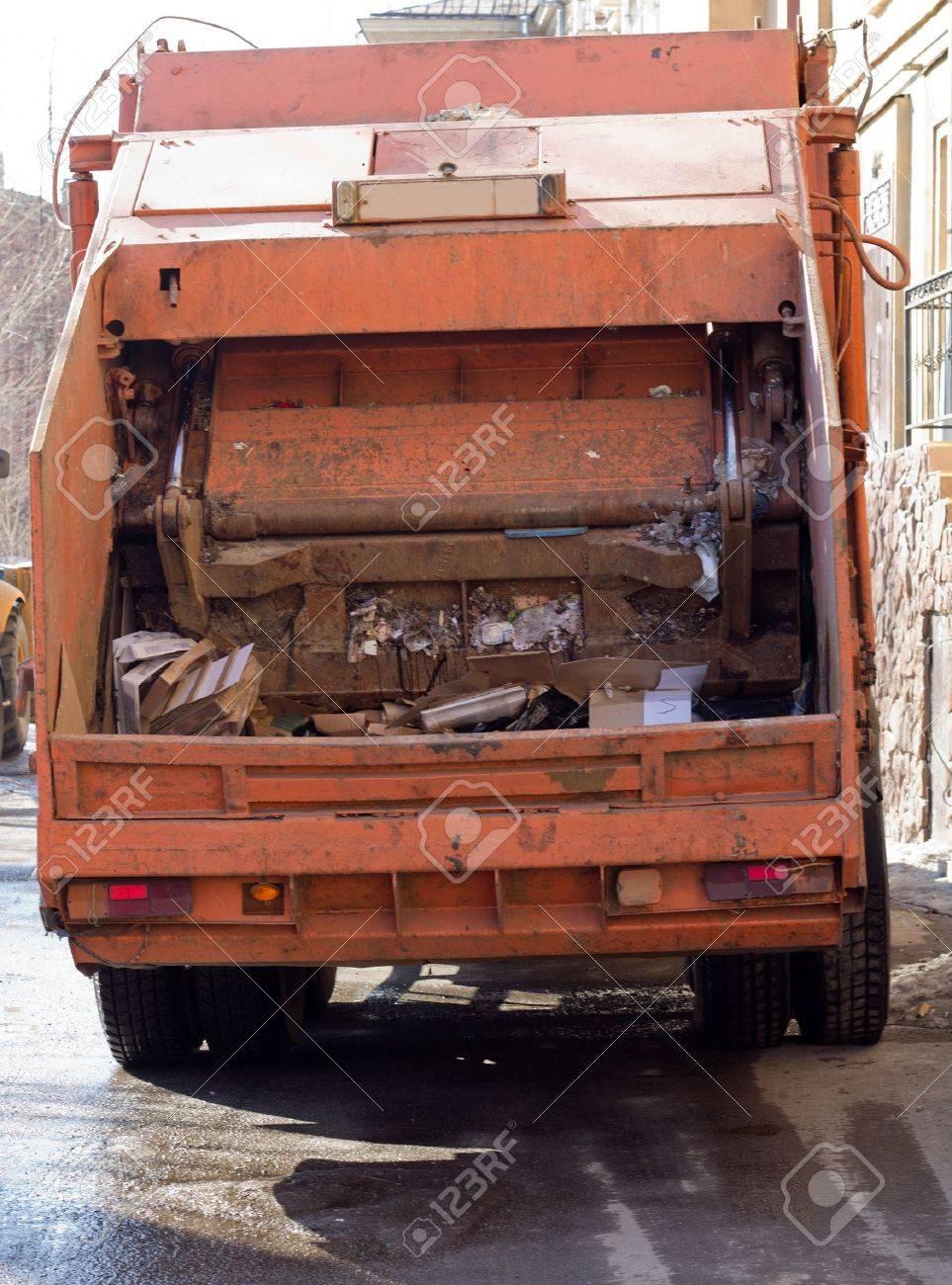 Garbage Vehicle - 9139630