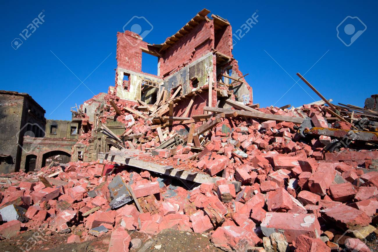 house ruins from an old brick - 25709694