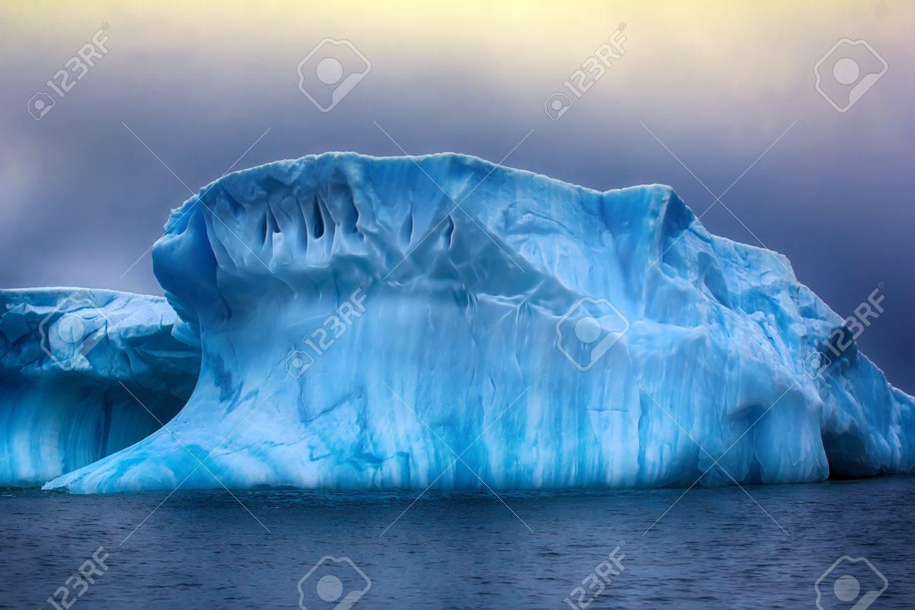 氷山空想的な図形 - 滑らかなハ...