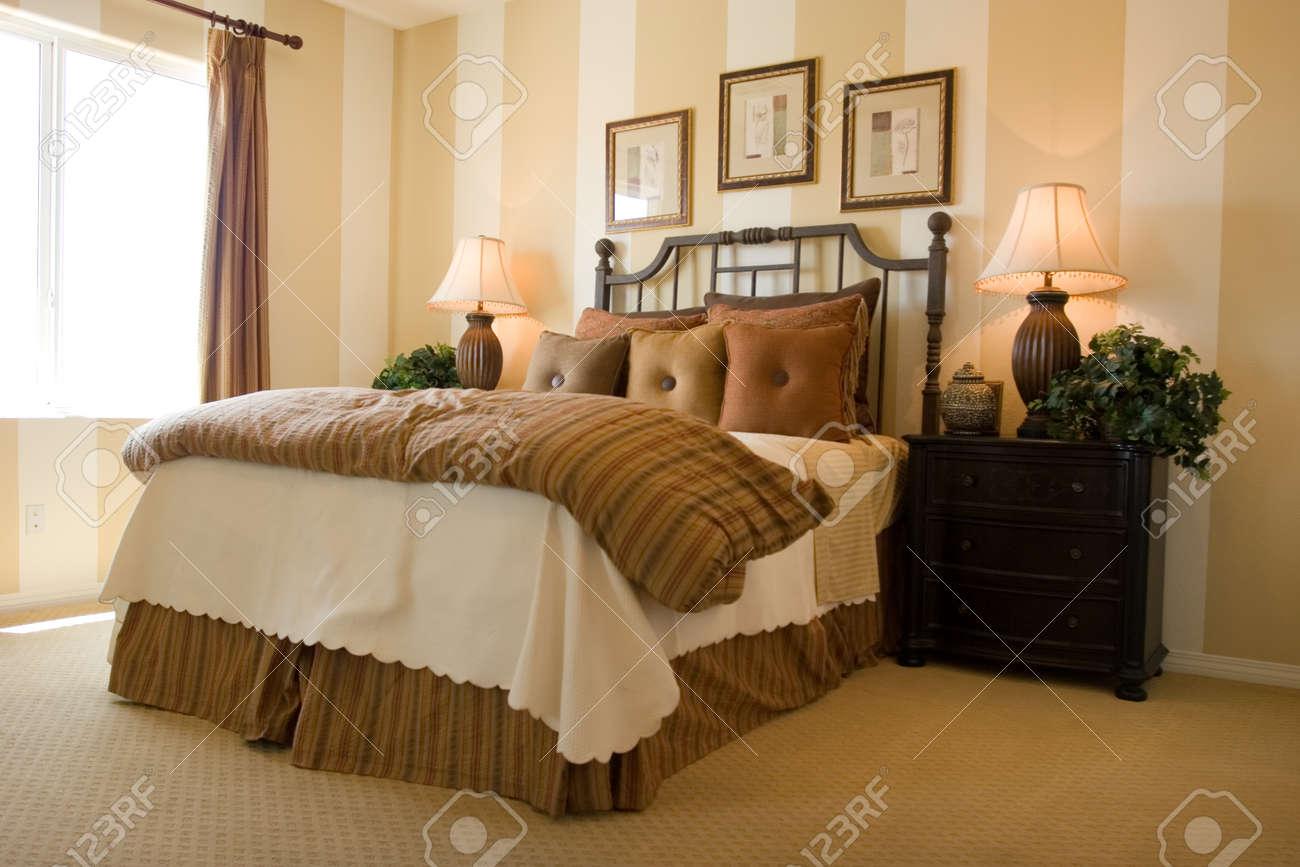 Modern smaakvol ingerichte slaapkamer royalty vrije foto, plaatjes ...