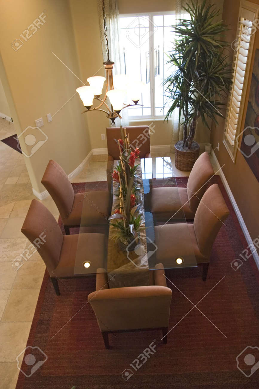 Modern tastefully decorated dining room Stock Photo - 2193362