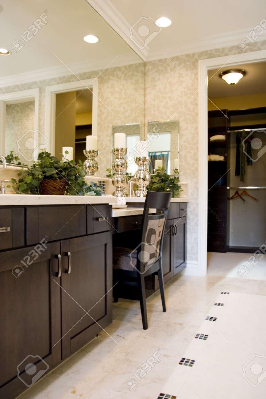 Moderno elegante bagno vanità