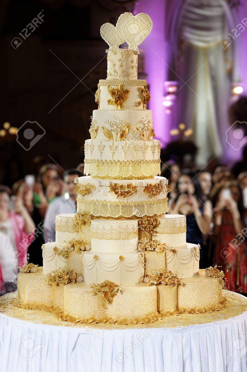 Le Plus Grand Gateau De Mariage Jamais