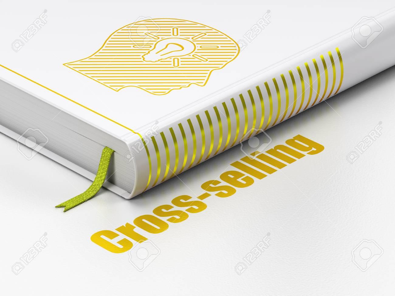 Finance-Konzept: Geschlossenes Buch Mit Gold Kopf Mit Glühbirne ...