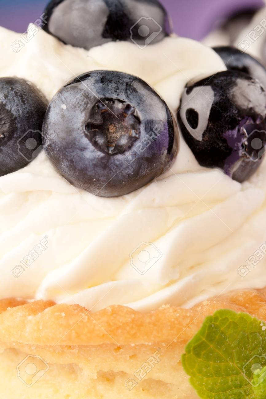 Fresh fruit tart Stock Photo - 12985132