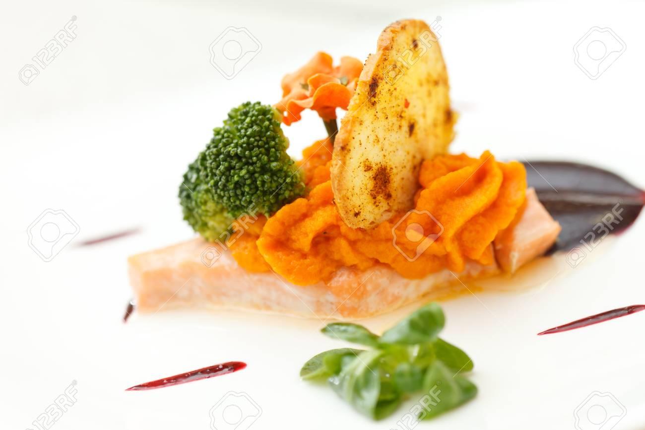 salmon steak with sauce Stock Photo - 13239477