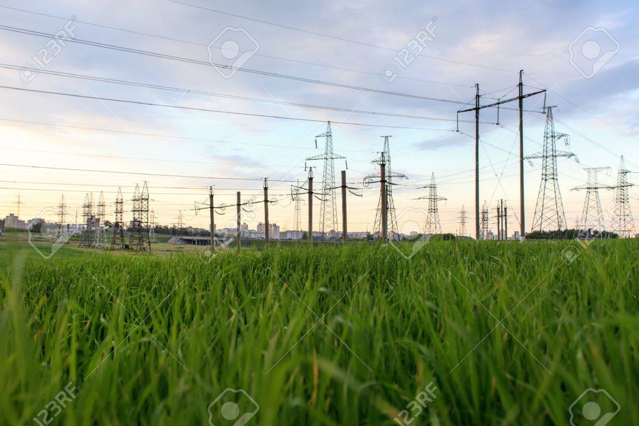 High-voltage tower Stock Photo - 14082896