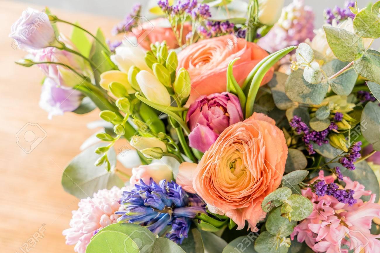 spring bouquet - 51739673