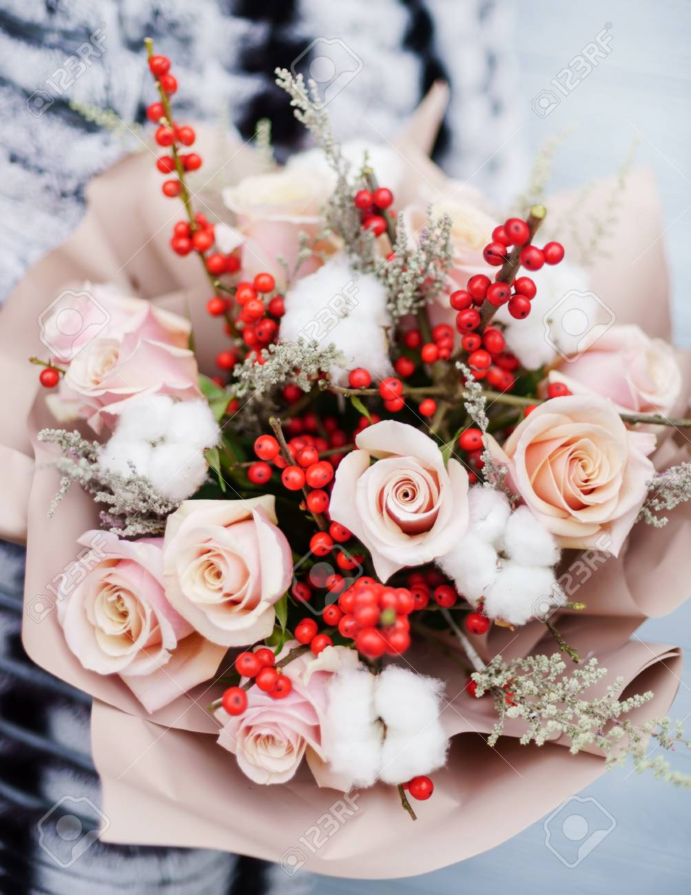 nice bouquet in the hands - 100205654