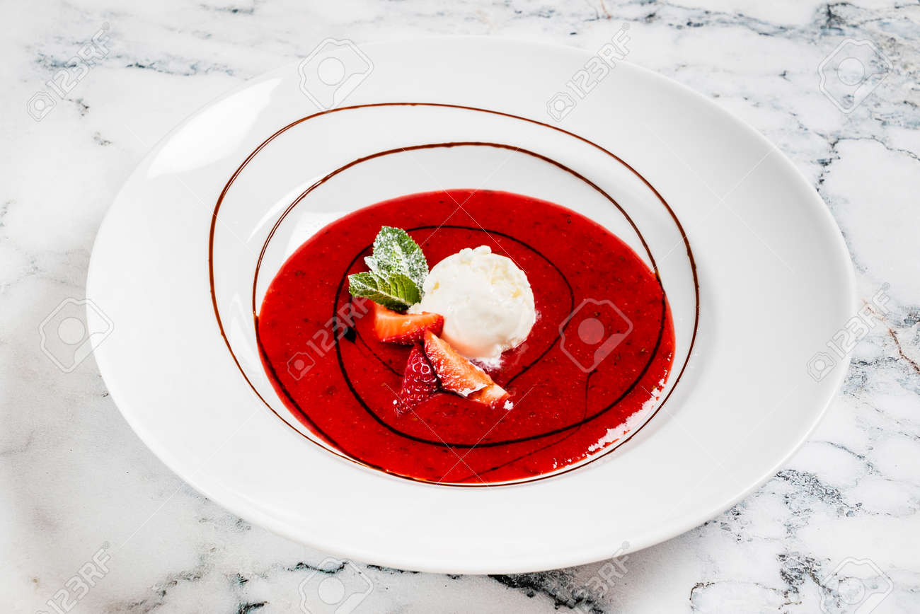 strawberry soup with ice cream - 169907192