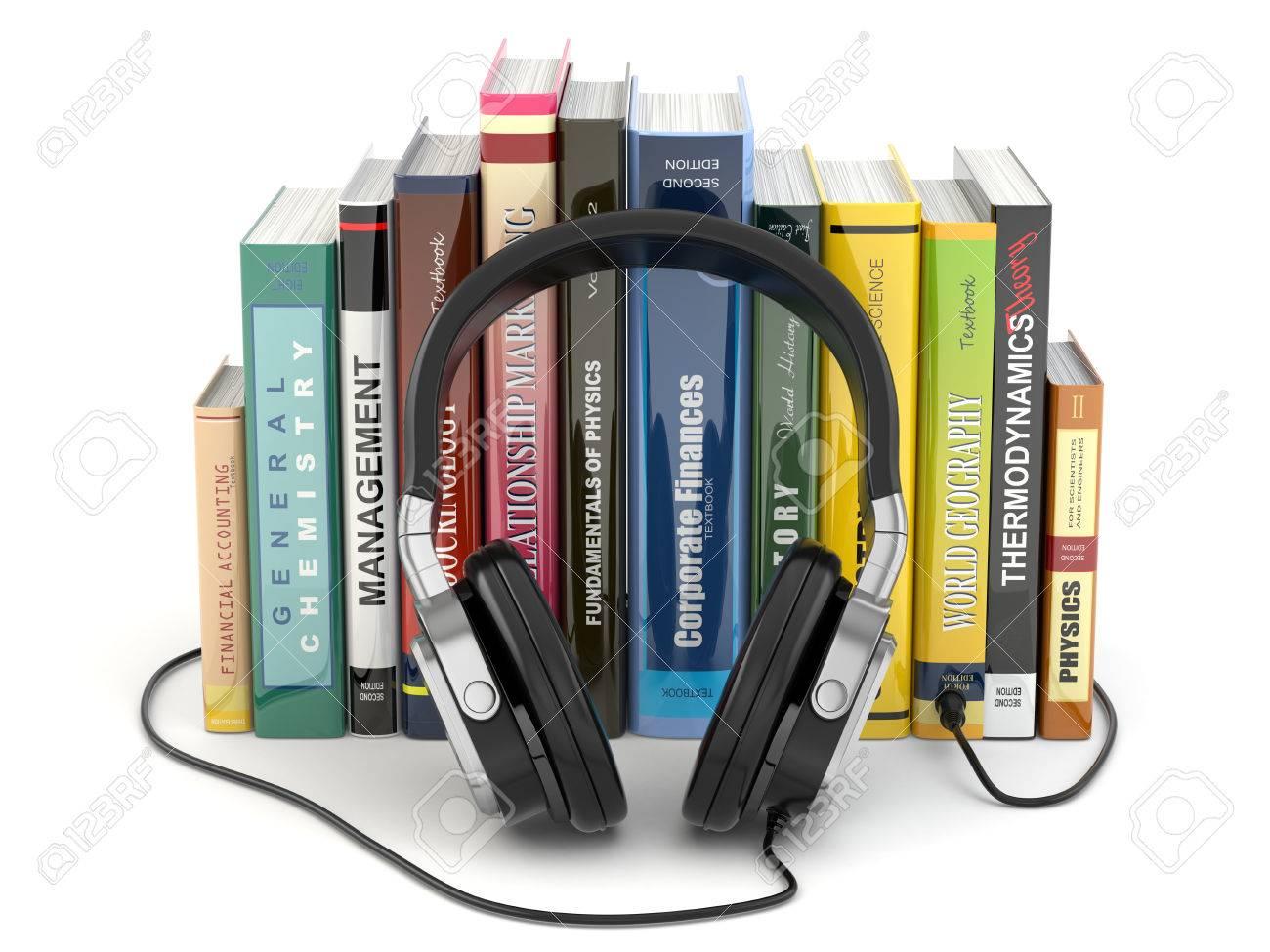 Concept De Livre Audio Ecouteurs Et Des Livres Sur Fond Blanc Isole
