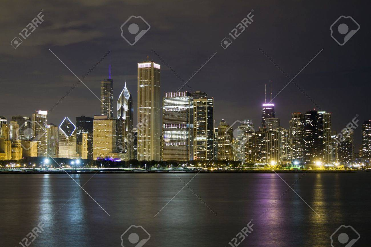 Chicago Downtown in Autumn Stock Photo - 10985479