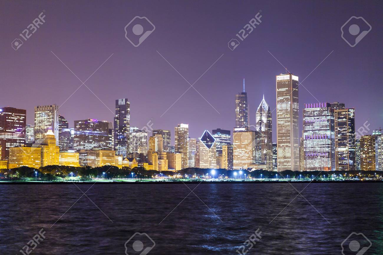 Chicago Downtown Skyline at Night Stock Photo - 17096778