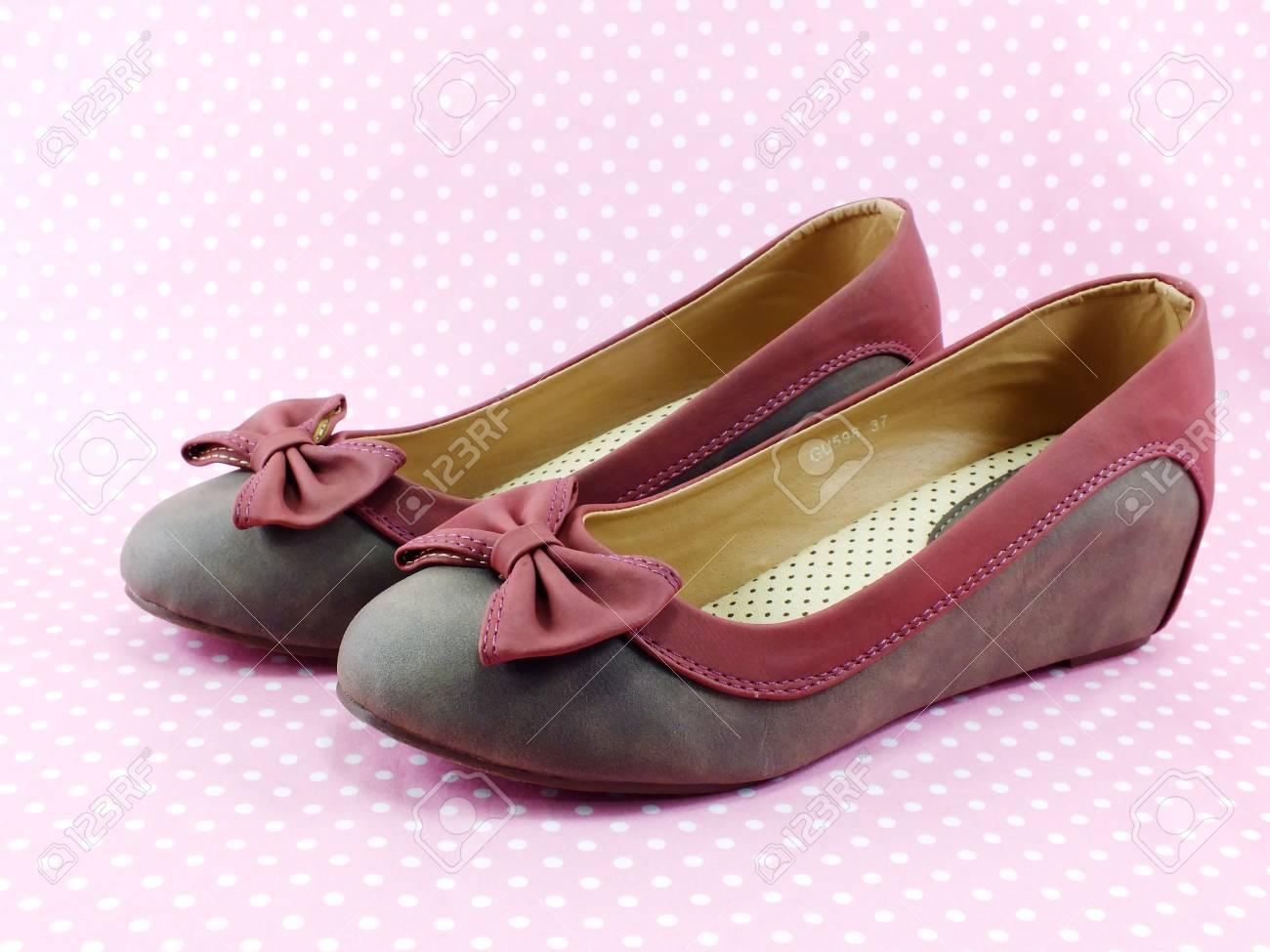 Sobre Archivo Mujer Planos Decoración De 50935041 Con Foto Zapatos Fondo  Arco Rosa FqvfOAYxfw ea7e6691a8a2