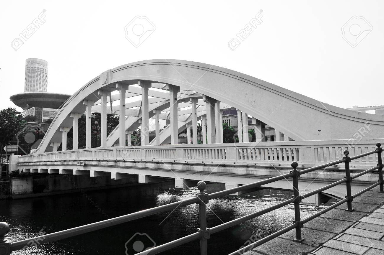 Elgin Bridge and the Singapore River Stock Photo - 15245164