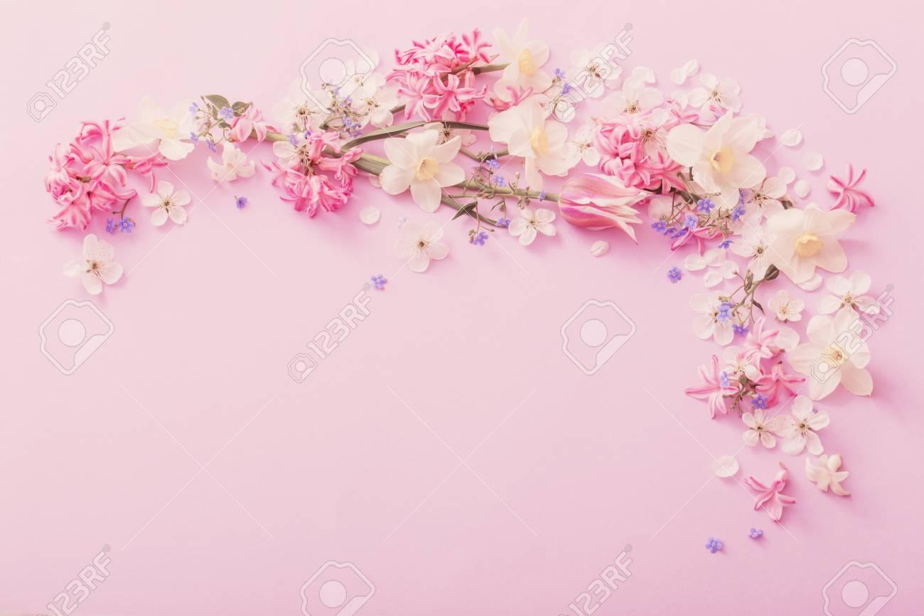 Beautiful Spring Flowers On Paper Background Lizenzfreie Fotos