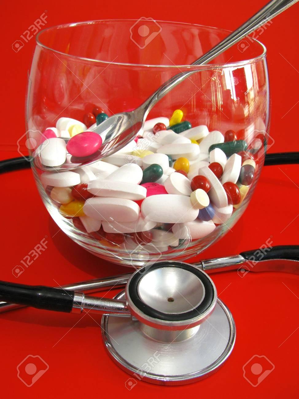 pills and stethoscope Stock Photo - 5570957
