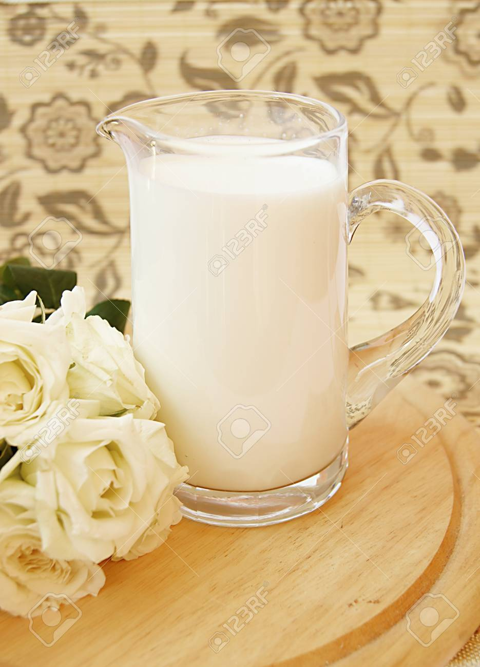 milk in the glass Stock Photo - 10747921