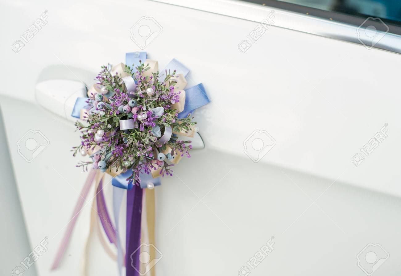 Schone Hochzeit Auto Dekoration Ein Kleines Bouquet Von Lavendel Mit Bandern