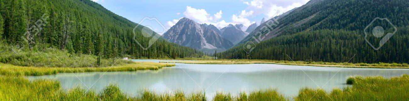Panoramic summer view of mountains and lake in Altay, Russia Stock Photo - 11405200
