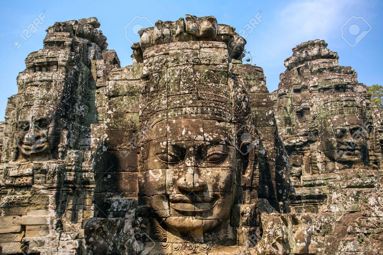 バイヨン寺院を古代カンボジア ...