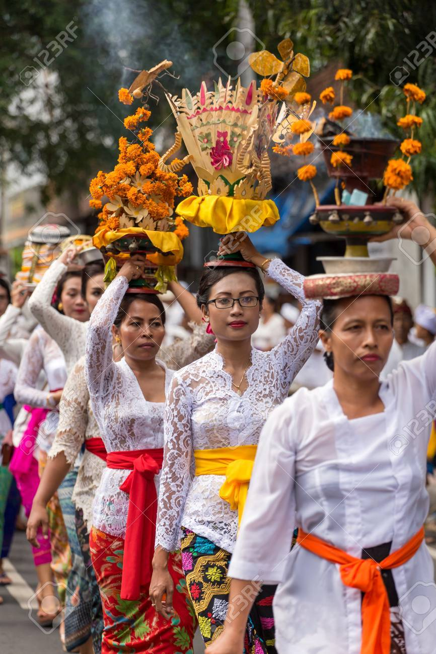 Bali Indonesia September 17 2016 Procession Of Beautiful