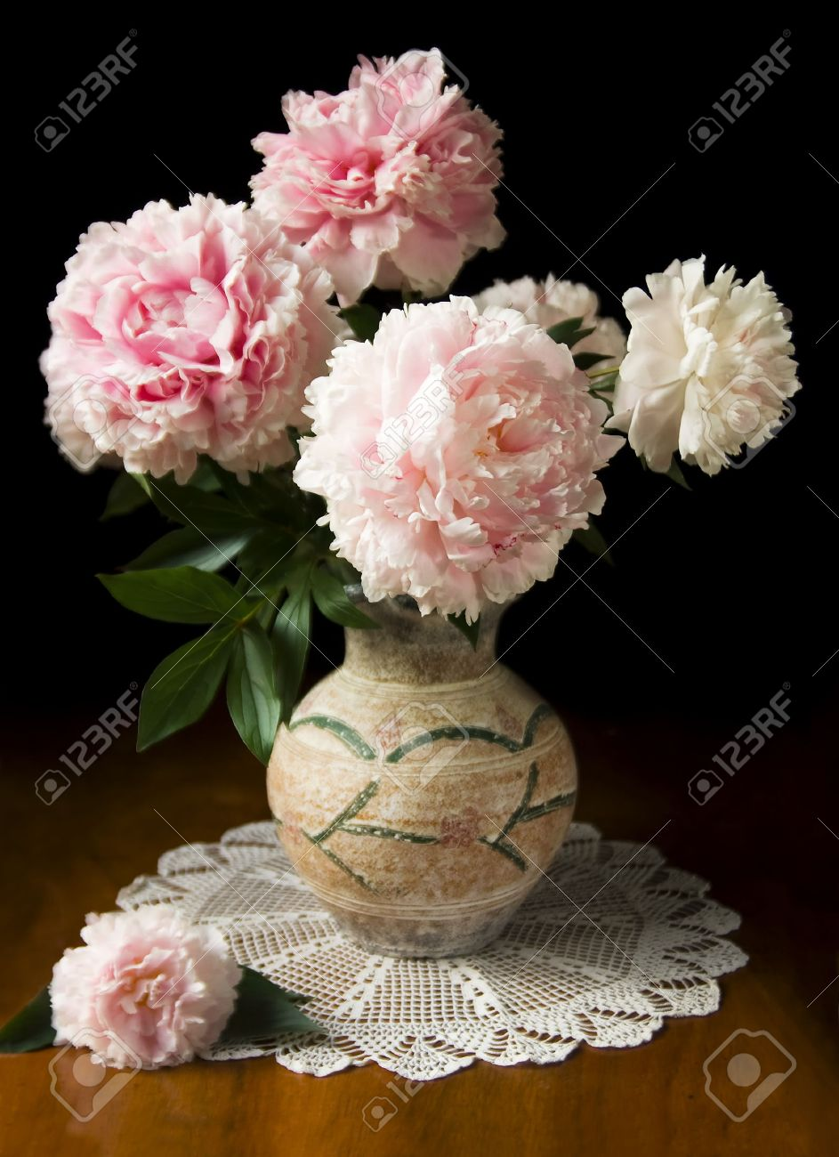 Peony vase excellent best ideas about peony arrangement on finest stilllife with pink peony in vase stock photo with peony vase reviewsmspy