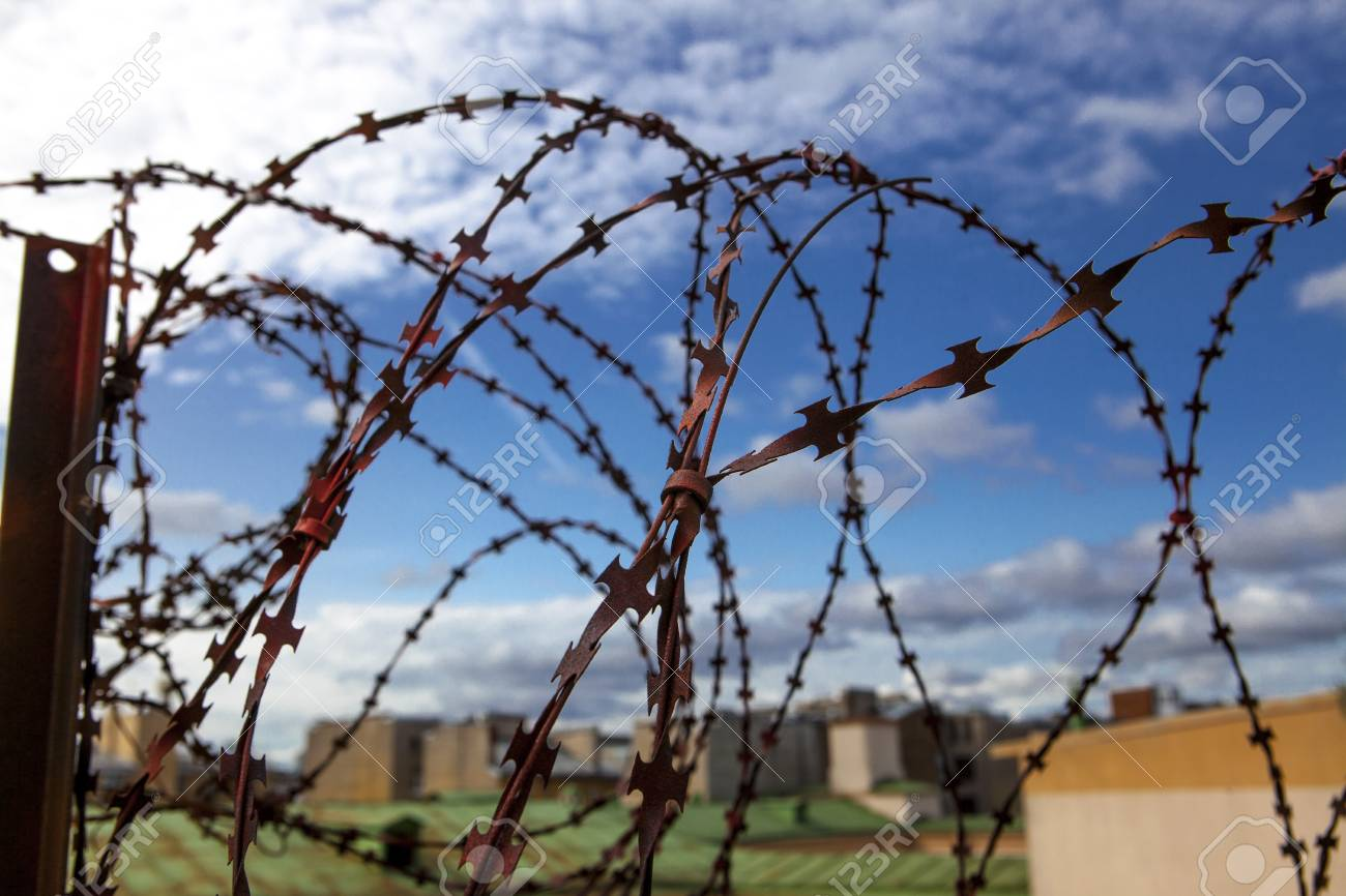Military Barbed Wire Using Them - WIRE Center •