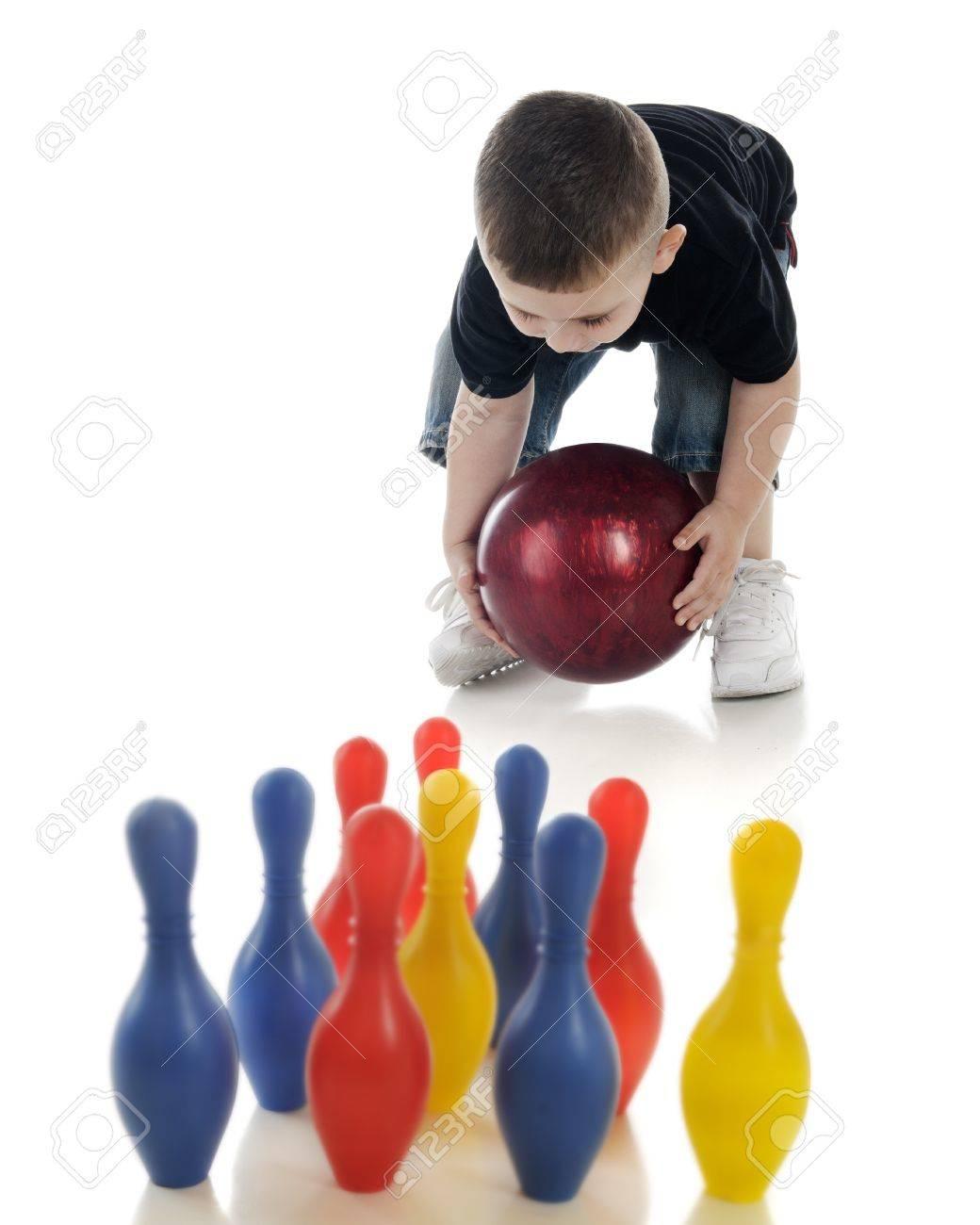 Tratando Rodar A Pequeño La De Niño Enfoque Y Una Estándar Para Su Bola Pines En Bowling Derribar Pelota Juguete Hacer Un srdhCtQ